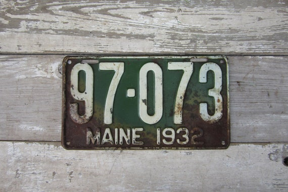 Vintage License Plate Maine 1932 Green White Old Distressed Salvaged Rusty Metal Antique License Plate