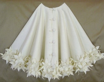 """72"""" Christmas Tree Skirt in Ivory felt with a dble row of hand cut and hand sewn flowers at the hem. FREE SHIPPIN"""