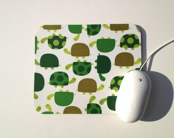 Turtle Mouse Pad / Home Office Dorm Room Decor / Turtles by Robert Kaufman