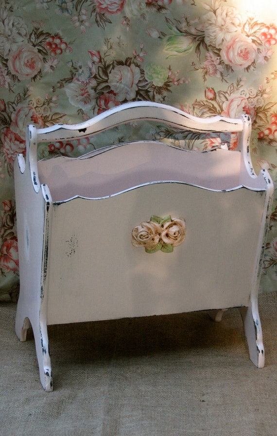 shabby chic pink magazine rack double compartment by fannypippin. Black Bedroom Furniture Sets. Home Design Ideas