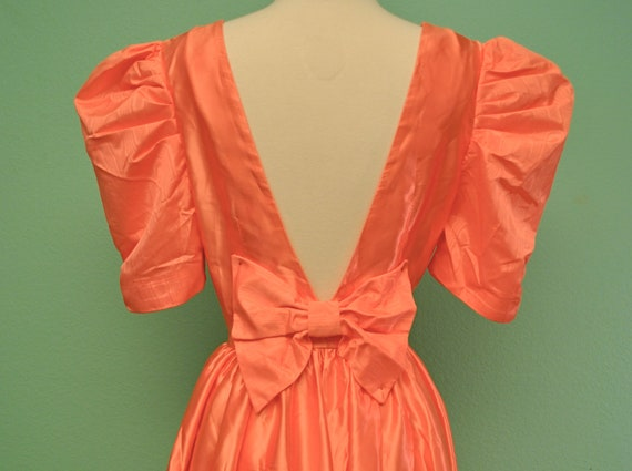 Vintage 1980s Pink Prom Dress - Full Skirt with Bow - Puff Sleeves - Sweetheart Neck Line and Plunging Back