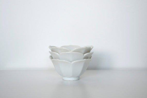 Lotus bowl white porcelain set of 3