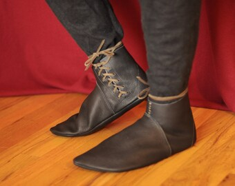 Margate: Medieval Style Handmade Leather Shoe