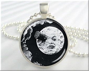 Movie Moon Art Pendant, Old Movie Necklace, A Trip To The Moon, Vintage Film Charm, Resin Jewelry, Round Silver, Movie Lover Gift (400RS)