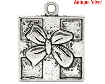 5 Christmas Charms - Antique Silver - Christmas Present - 21x17mm - Ships IMMEDIATELY from California - SC393