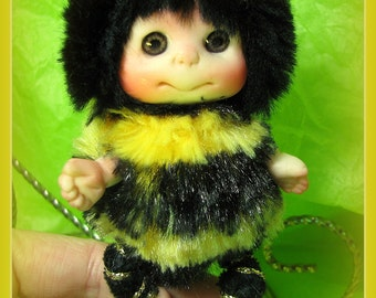 """Bumblebee Bee """"Luck Catcher"""" with 4-Leaf Clover Cute Baby Doll, Decoration for home, Lucky Charm, collectables,"""