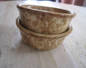 American spongeware yellow ware 19th century bowls