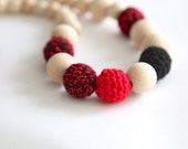 Black and red nursing necklace. Mammy and baby teething necklace. Girls crochet necklace.