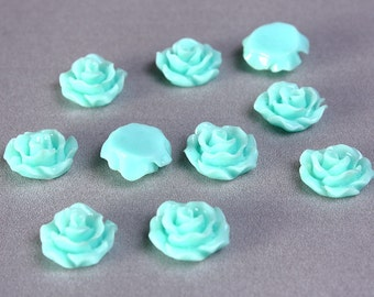 11mm Pastel turquoise rosebud cabochons - Lucite rose cabochon - 11mm resin flower cabochon (773) - Flat rate shipping