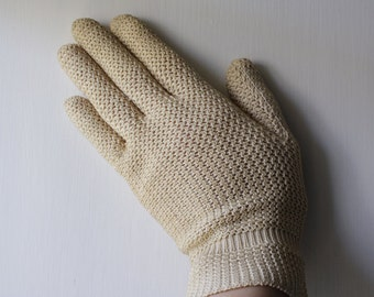 Italian Vintage Crocheted Gloves // Antique Ivory color // Circa 1920s