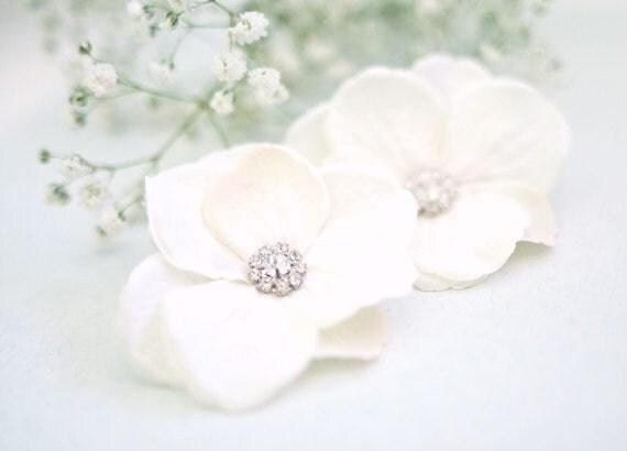 Ivory Hydrangea Hair Flowers (2 pcs) Wedding Small Hair Flowers with Rhinestone Center Bridal Hair Accessory
