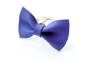 BOW RING in VIOLET