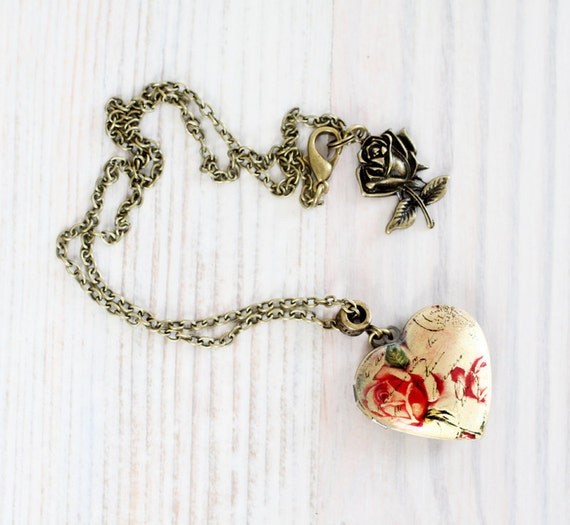 Roses Heart locket necklace - Love jewelry