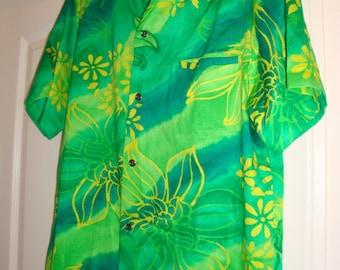 Hawaiian man's shirt, (size small)