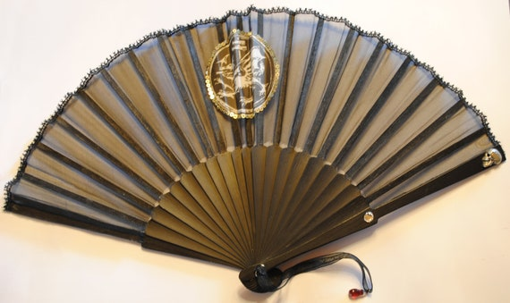 """Gothic fan """"The Order of the Dragon"""""""