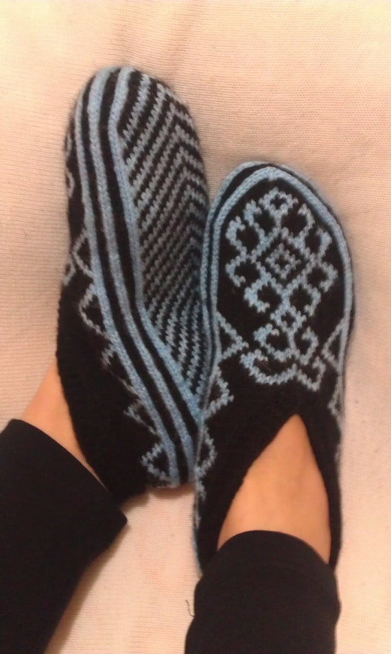 COSTUM LISTINING- Hand Knitting Home Slippers-Blue Black Slippers