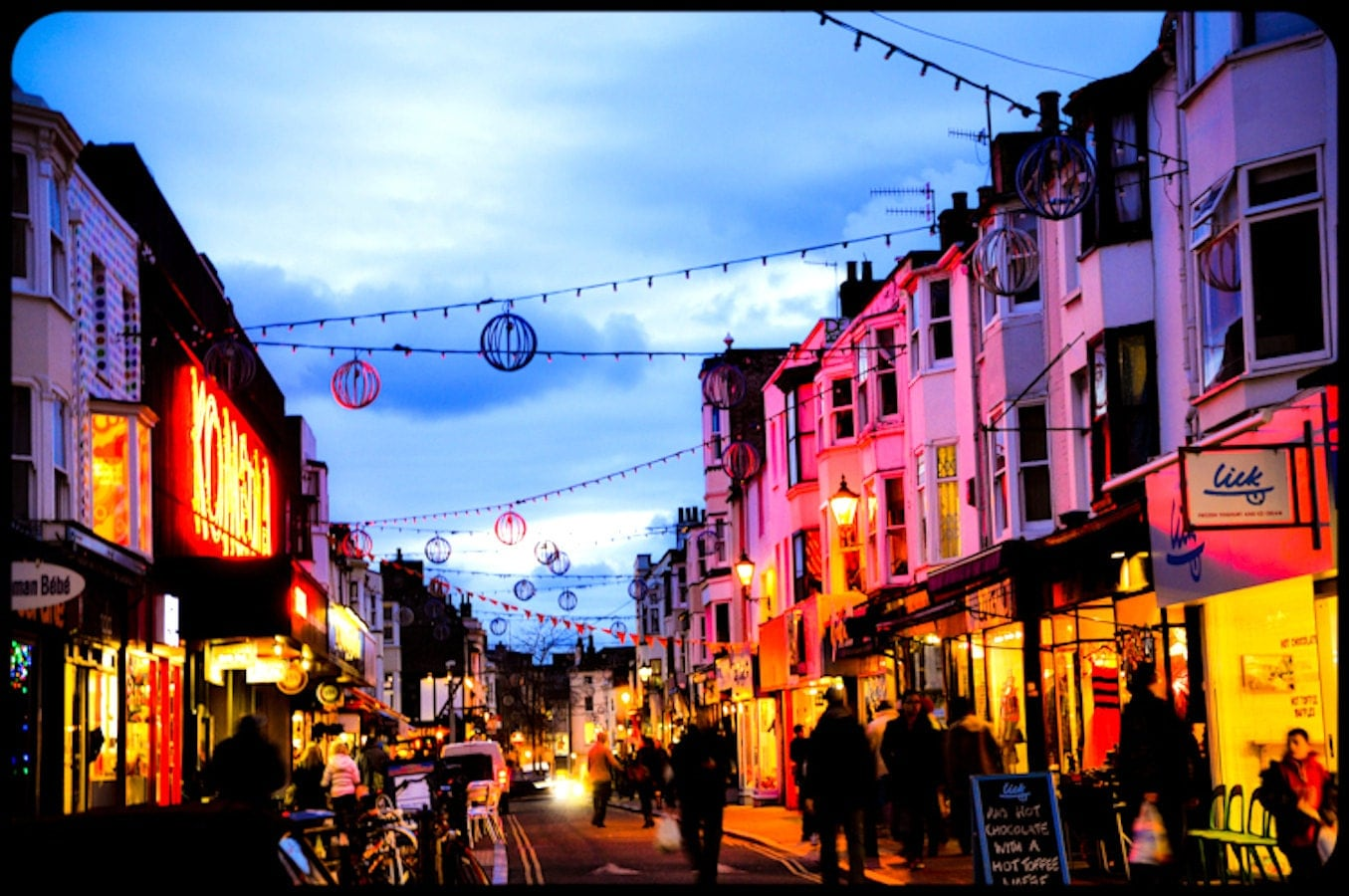 Brighton england street night street photo brighton england for The brighton