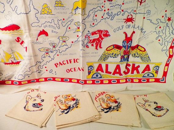 Vintage  Alaska Tablecloth And 4 Napkins Souvenir 32 x 36 Inches