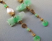 Jade dragon, pearl, gold dangle earring