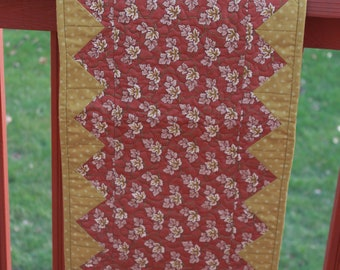 Table Runner Quilt - Rusty Brown Leaf print - Christmas Quilt- Handmade