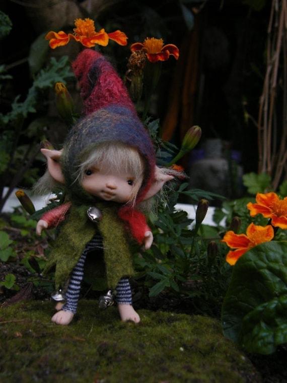 sweet tiny  posable ooak fairy fairie elf