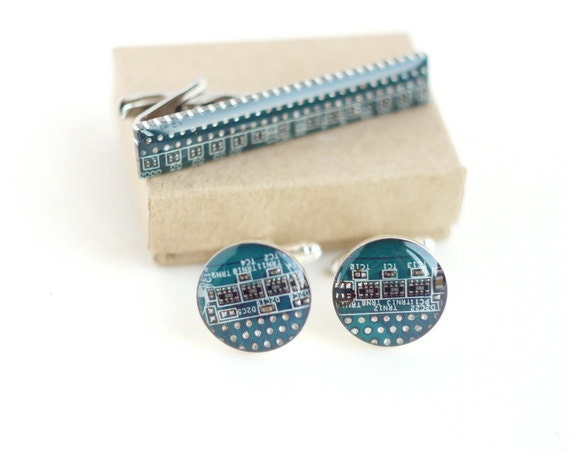 Blue Cuff Links and Tie Clip - Computer Circuit Board Accessories Set - Geeky Electronic Jewelry For Best Man or Groomsmen