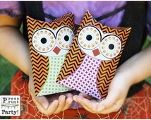 Popular items for halloween pillow box on etsy for Owl pillow box template
