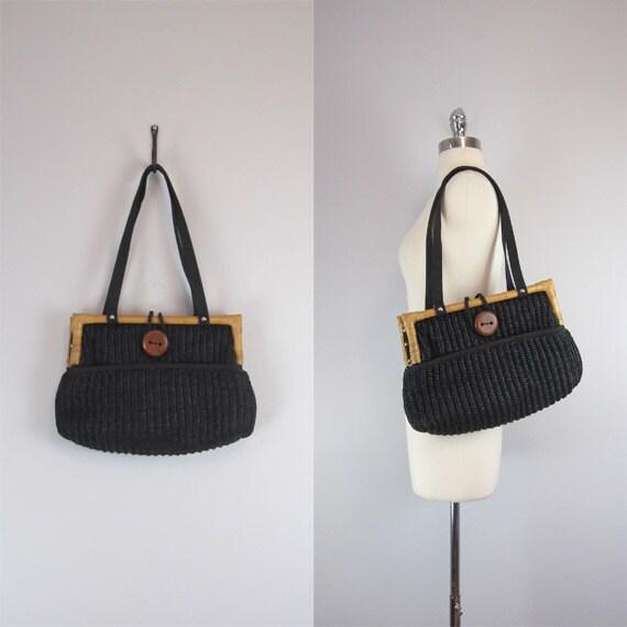 woven handbag / vintage bag / shoulder bag / straw / raffia / wooden handle / bamboo / 1970s