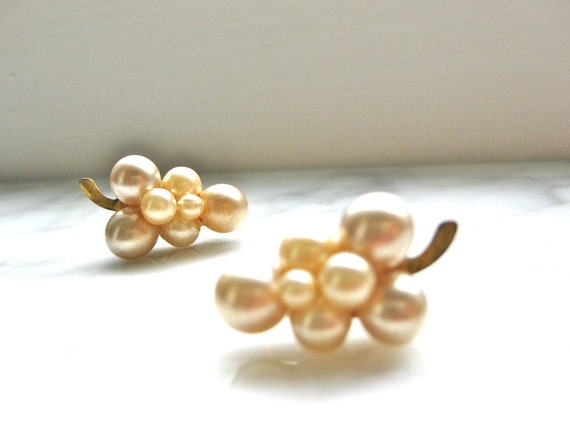 Vintage Pearl Earrings Grape Design Screw On Cluster Faux