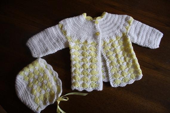 Sweet vintage crochet handmade sweater and bonnet set / lemon yellow and white / baby girl 12-24 months