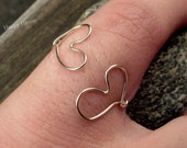 Double heart wire ring