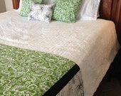 White and Green King Size Quilt Bedding Set