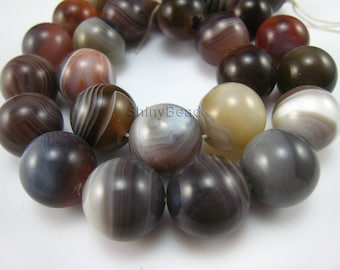 botswana agate round bead 14mm 15 inch strand