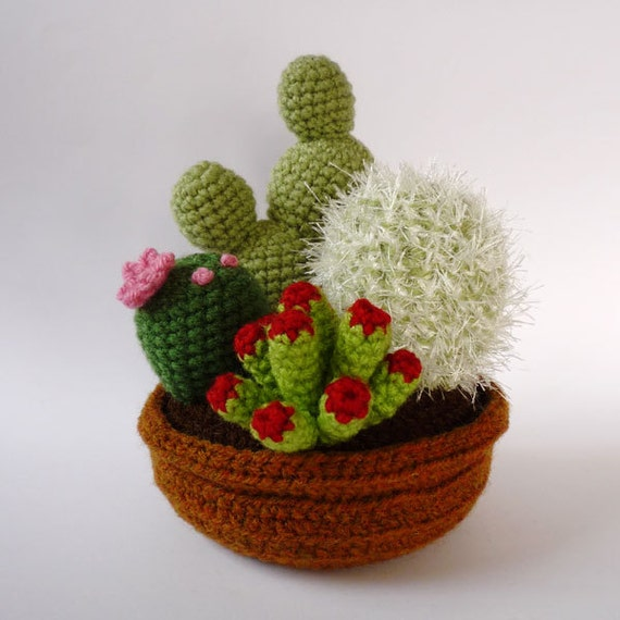 4-plant garden of realistic crocheted cacti and succulents