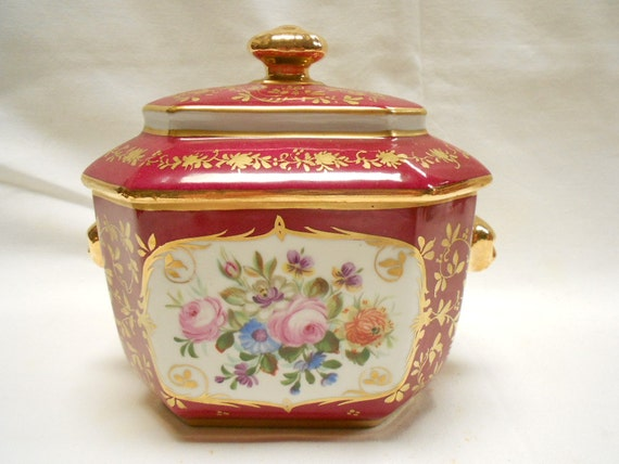 Antique French Hand Painted Red Porcelain Floral Lidded Sugar Bowl and Tongs (A595)