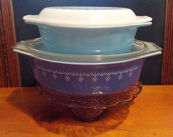 "Mis-matched Set of Pyrex ""Snowflake Blue"" and Turquoise"
