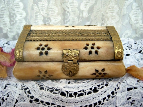Ivory/Bone Trinket Box