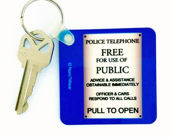"""Who Square Doctor 2.25"""" Keychain: Police Box Sign"""