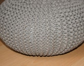 Reserved: Custom made knitted pouf (for Triin)