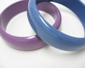 Vintage Bracelets medium bangle blue purple acrylic