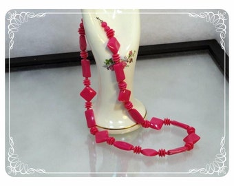 1970's Vintage Fuchsia Pink Bead Vintage Necklace - Long Strand   -   1769a-121012000