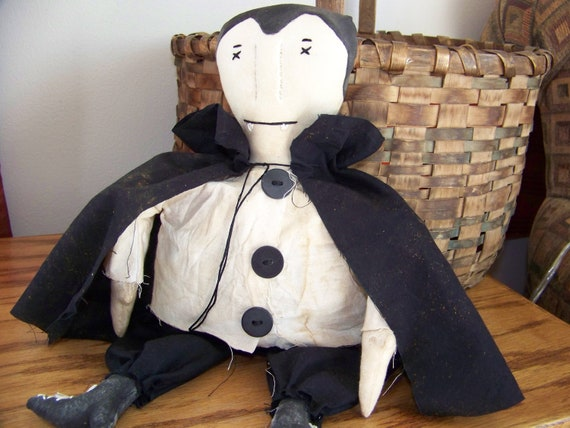 Prim Grungy Dracula Doll