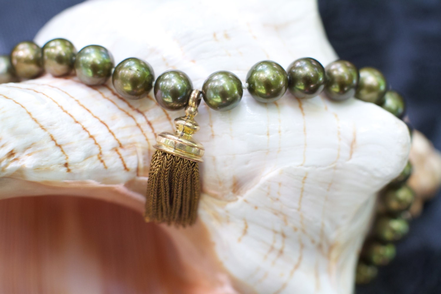 pearl necklace vintage real pearls olivgreen by