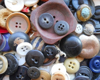 100 Old Antique and Vintage Buttons | GRAB BAG
