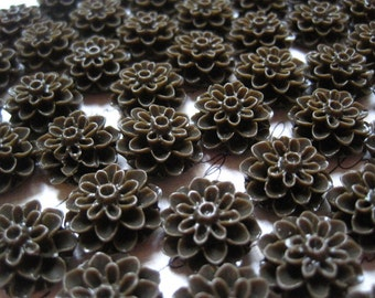 Resin Mum Cabochon, Resin Flower Cabochons, 10 pcs Chocolate Brown Resin Dahlia Mum 15mm