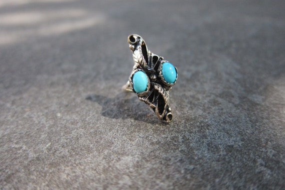 Vintage Native American Sterling Silver Ring with Two Turquoise Stones and Leaf Detail - Size 4.25