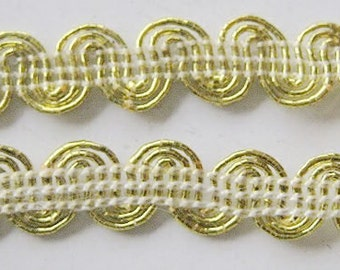 2 Yard Light Golden  Trim  3 Lines 1/3 inch wide lacemode 0072