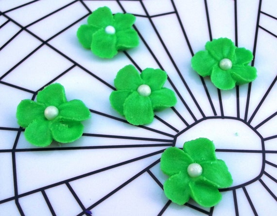 Small green royal icing flowers with edible pearl center -- Edible cake decorations cupcake toppers (50 pieces)