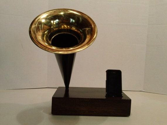 Acoustic  iPhone Speaker Dock w/ Antique style reproduction Cylinder style Phonograph Horn -Made to Order-