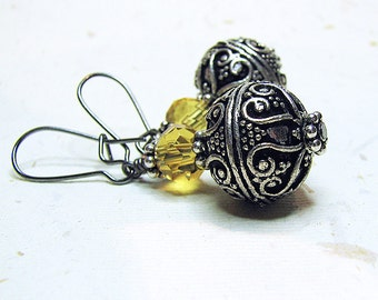 Bohemian artisan made Bali silver earrings with yellow citrine Beaded dangle earrings Gunmetal kidney ear wire Business casual jewelry